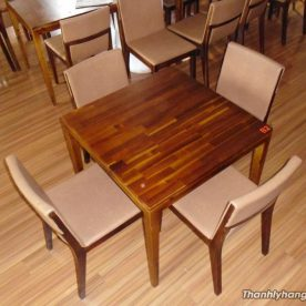 Thanh lý bàn ghế gỗ vuông nhà hàng