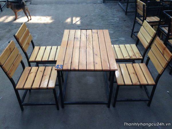 bàn 4 ghế quán nhậu